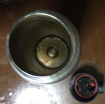 ステンレス水筒の洗い方で酷い汚れに塩素系漂白剤は?お手入れは?