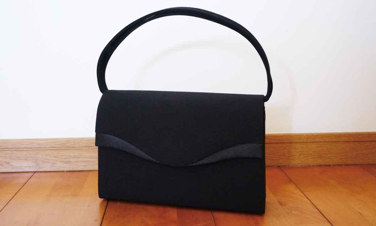 フォーマルバッグ入学式は葬式用もOK?革と布はどこまで使えるの?