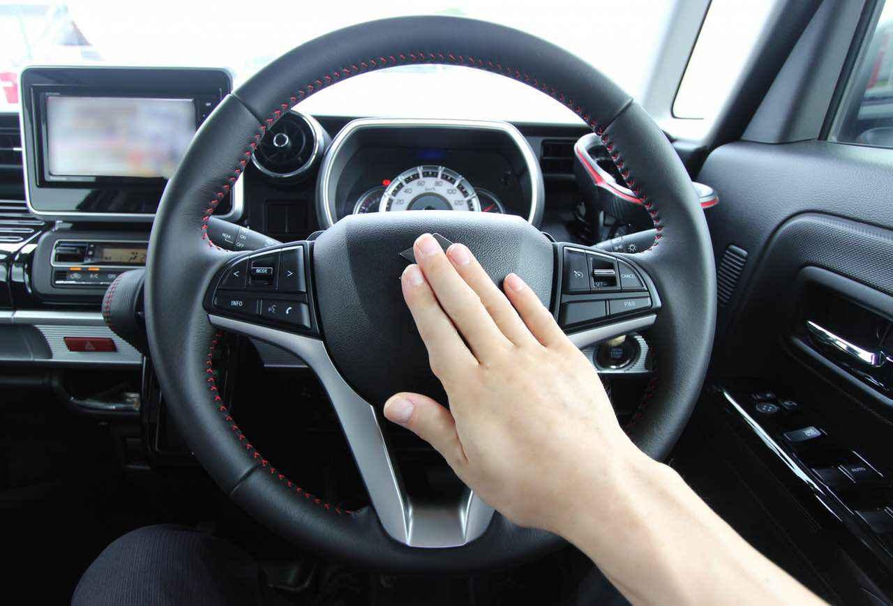 自動車のクラクションを挨拶として鳴らすと違反?使用可と不可の状況。緊急時だけ?